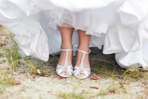 David's Bridal Silver / White Dyeable Satin Wedge Formal Size US 9