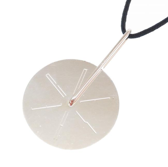 Item - Black / Silver Wheels 925 Rotating Plate 0181hermes Necklace
