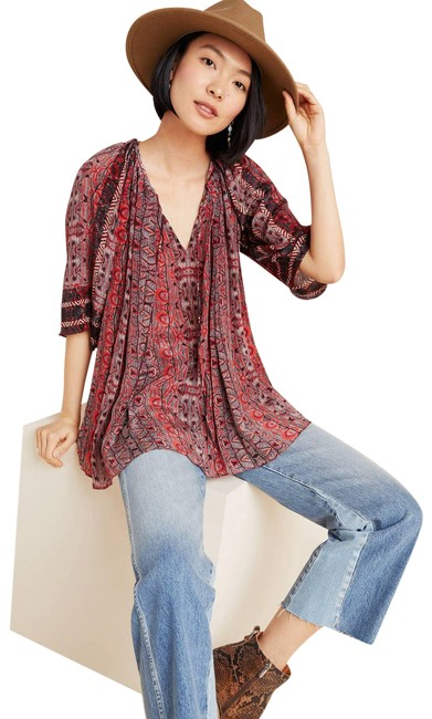 Item - Red New Bhanuni By Jyoti Aleksa Abstract Tunic Blouse Size 6 (S)