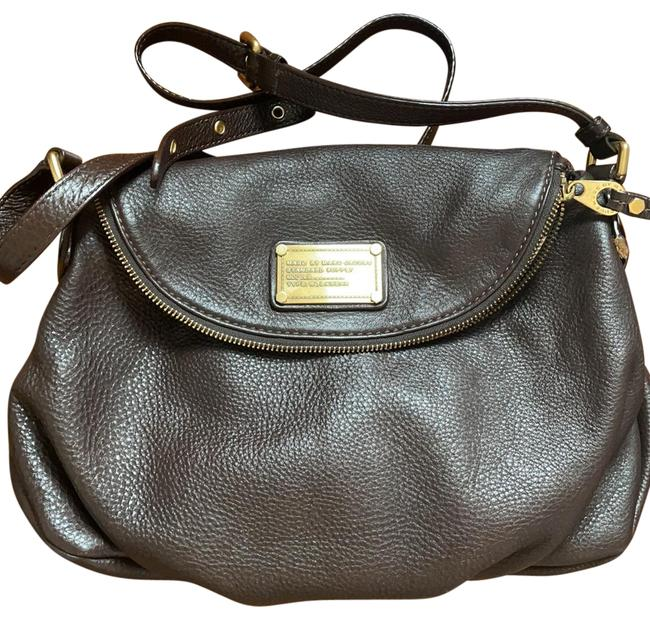 Item - Classic Brown Leather Cross Body Bag