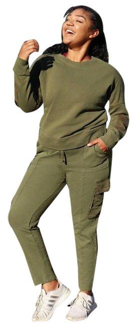 Item - Green Multiple Zuri Cozy Cargo Style Jogger Pockets Activewear Bottoms Size 10 (M, 31)