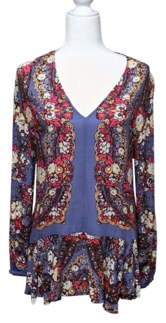 Item - Blue Unknown Tunic Size 4 (S)