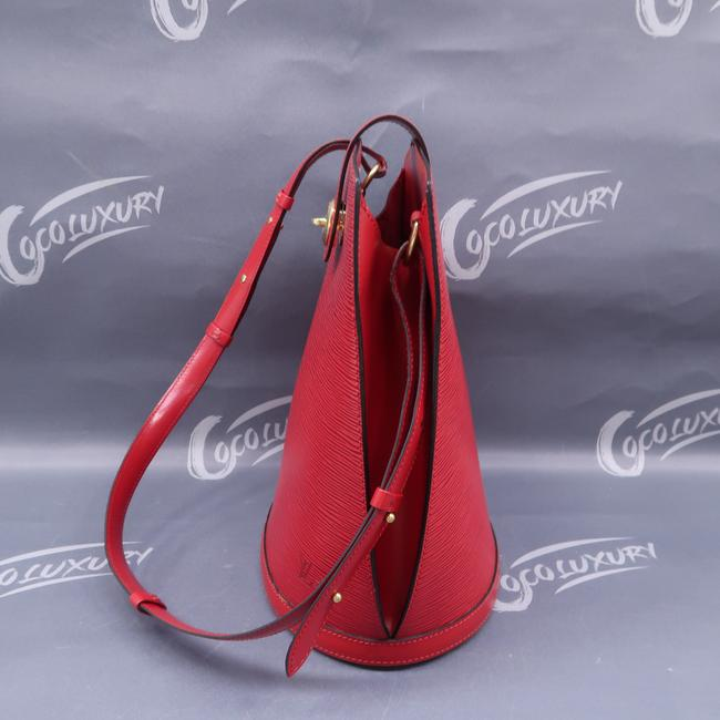 Louis Vuitton Cluny Red Epi Leather Shoulder Bag Louis Vuitton Cluny Red Epi Leather Shoulder Bag Image 7