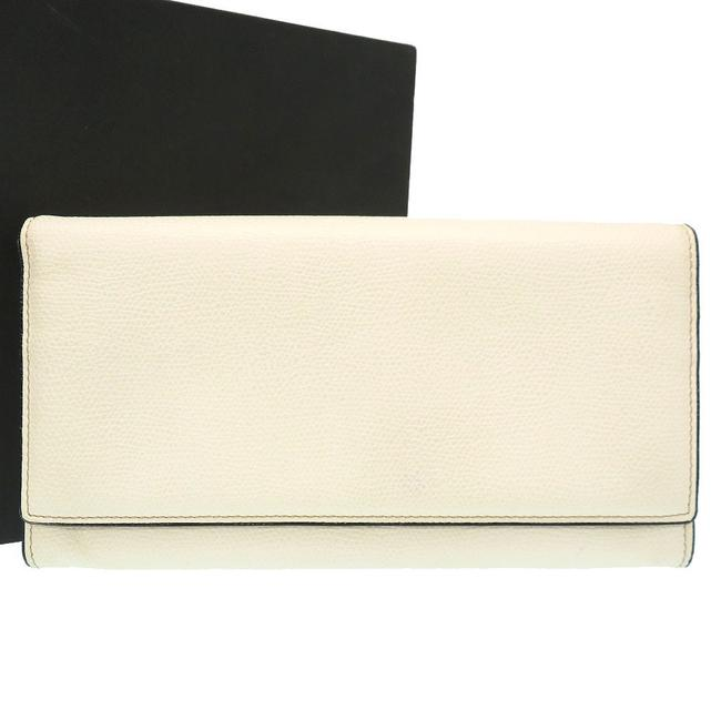Item - Ivory Long Leather Silver Hardware 0180 Wallet