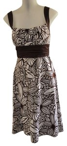 Preload https://item5.tradesy.com/images/b-smart-white-with-brown-print-style-x9041313-mid-length-short-casual-dress-size-6-s-287344-0-0.jpg?width=400&height=650
