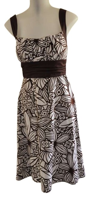 Preload https://img-static.tradesy.com/item/287344/b-smart-white-with-brown-print-style-x9041313-mid-length-short-casual-dress-size-6-s-0-0-650-650.jpg