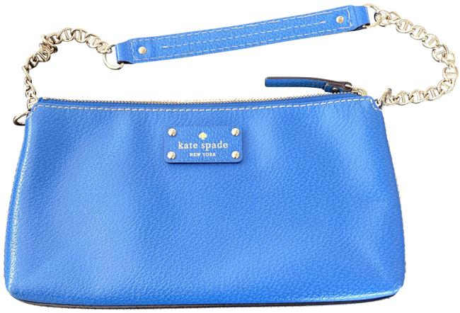 Item - With Chained Strap Blue Leather Shoulder Bag