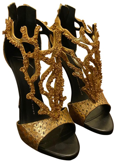 Item - Black and Gold Formal Shoes Size US 8.5 Regular (M, B)