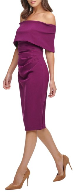 Item - Wine Off Shoulder Popover Mid-length Night Out Dress Size 8 (M)