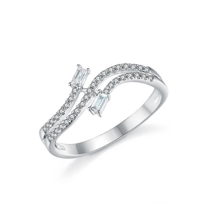 Item - White Curved Style Gifts with Baguette Diamonds For Women Ring