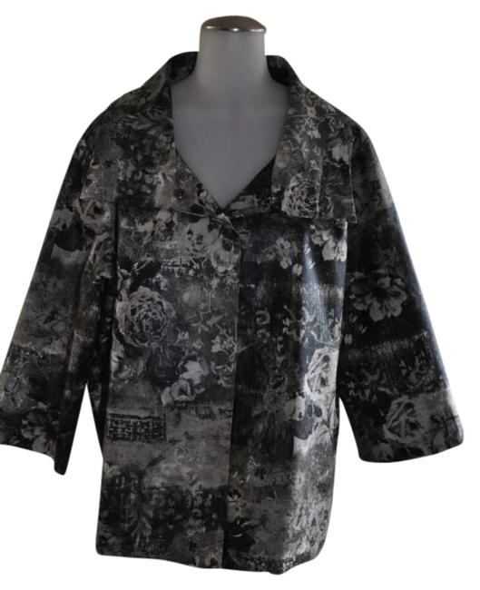 Preload https://img-static.tradesy.com/item/287381/chico-s-black-and-white-floral-pattern-size-16-xl-plus-0x-0-0-650-650.jpg