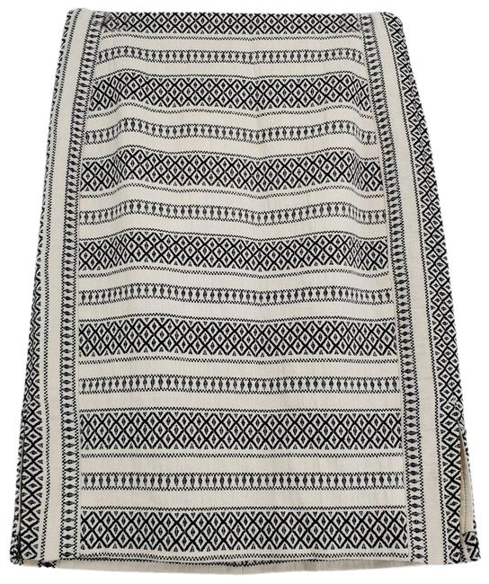 Item - White Tribal Pencil Slit Skirt Size 2 (XS, 26)