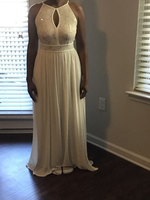 Item - Ivory/Nude 21080744 Formal Bridesmaid/Mob Dress Size 6 (S)