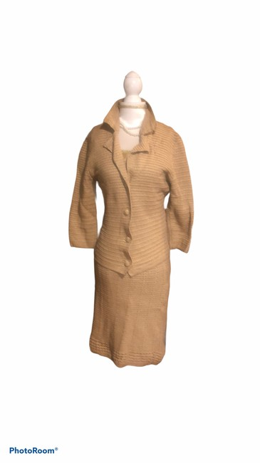 Item - Tan Knitted Dress and Jacket Set Skirt Suit Size 8 (M)