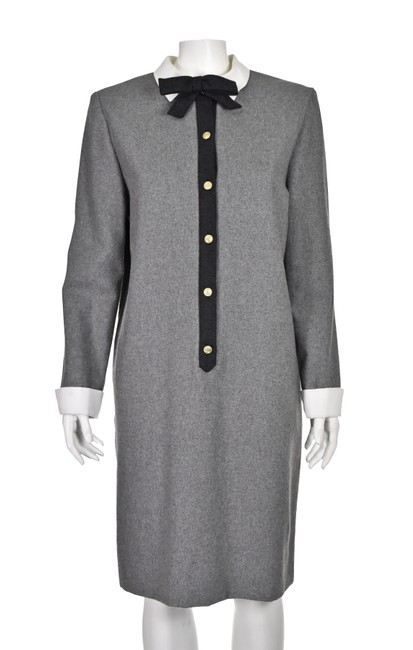 Luisa Spagnoli Gray Wool with White Cotton Collar & Cuffs Vintage Shift Short Work/Office Dress Size 8 (M) Luisa Spagnoli Gray Wool with White Cotton Collar & Cuffs Vintage Shift Short Work/Office Dress Size 8 (M) Image 1