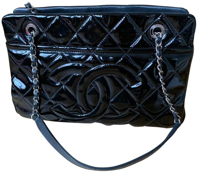 Item - Timeless Black Patent Leather Tote