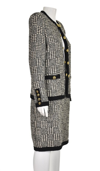 Item - Black & Ivory Knit Vintage Houndstooth Skirt Suit Size 8 (M)