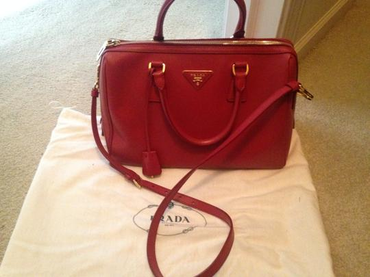 Prada Saffiano Leather Cross Satchel in red Image 1
