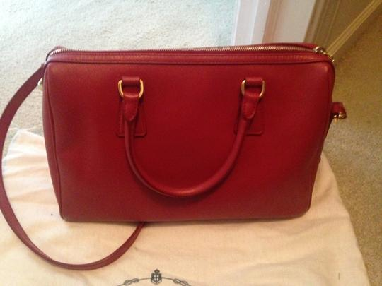 Prada Saffiano Leather Cross Satchel in red Image 2