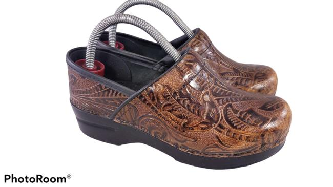 Item - Brown Professional Stapled Tooled Floral Leather Womans Mules/Slides Size EU 37 (Approx. US 7) Regular (M, B)