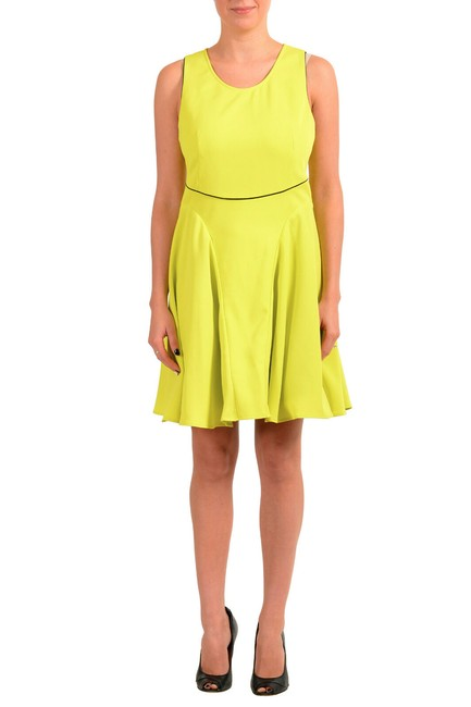 Item - Yellow Women's Bright Fit & Flare Sleeveless Short Casual Dress Size 20 (Plus 1x)