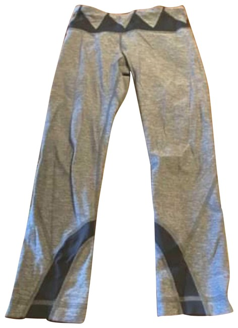 Item - Gray Cropped Activewear Bottoms Size 4 (S)
