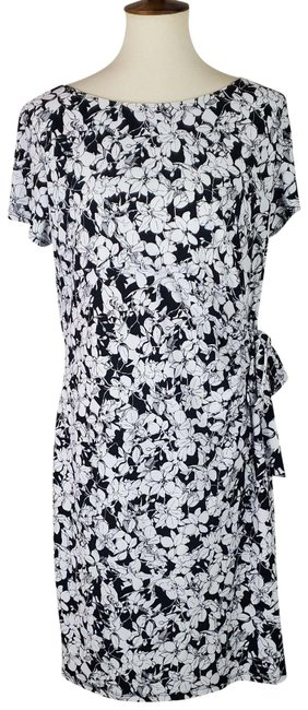 Item - Black / White Floral Tie-ups Bow Short Sleeves Mid-length Cocktail Dress Size 4 (S)