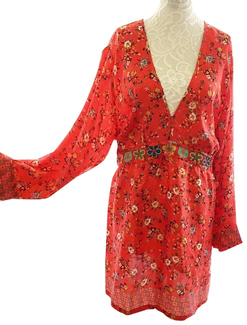 Item - Red Floral Tunic Size 22 (Plus 2x)