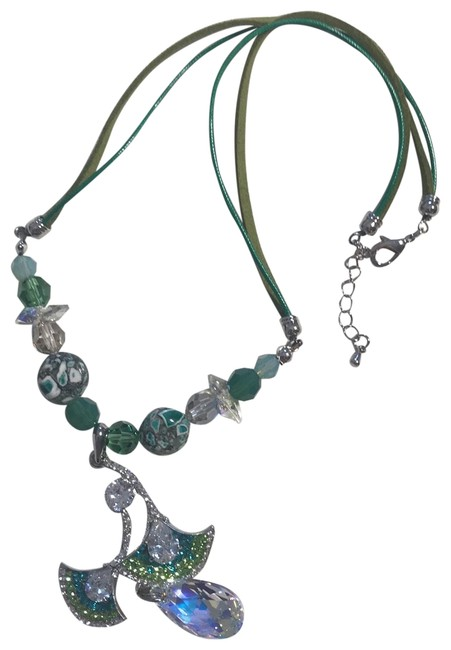 Item - Green Crystal Necklace