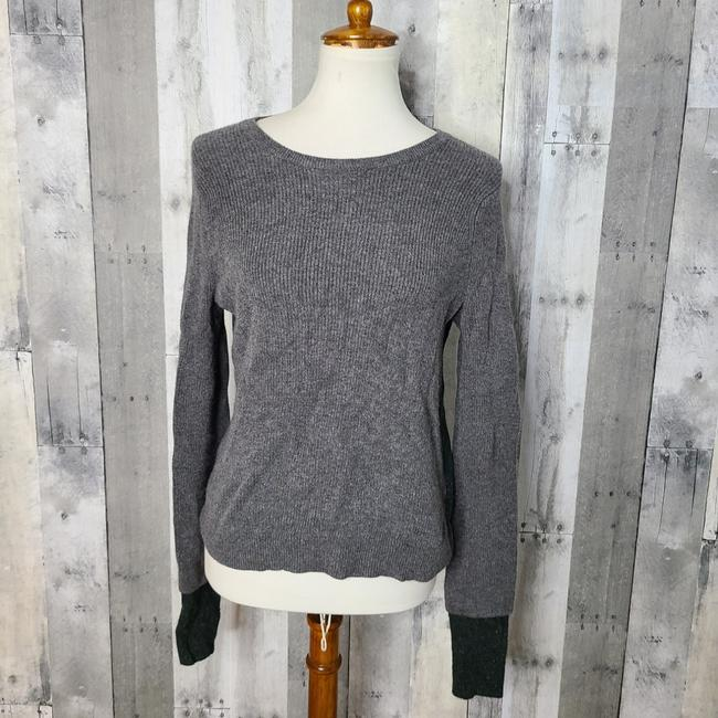 Item - Colorblock Grey/Forest Green Sweater