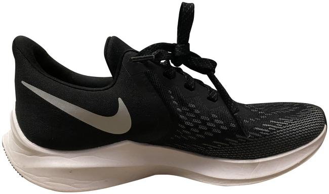 Item - Black and White Air Zoom Sneakers Size US 6.5 Regular (M, B)