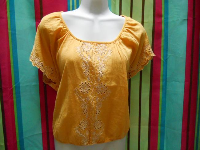 Forever 21 Cotton Pullover Shirt Small 4 6 8 All Cotton Cotton Lace Detail Islet Eyelet Embroidered Embroidery Bohemian Boho Top Golden Yellow Image 1