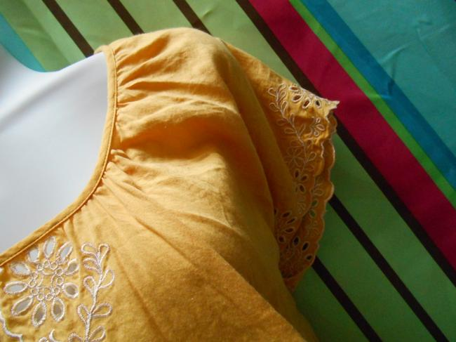 Forever 21 Cotton Pullover Shirt Small 4 6 8 All Cotton Cotton Lace Detail Islet Eyelet Embroidered Embroidery Bohemian Boho Top Golden Yellow Image 4