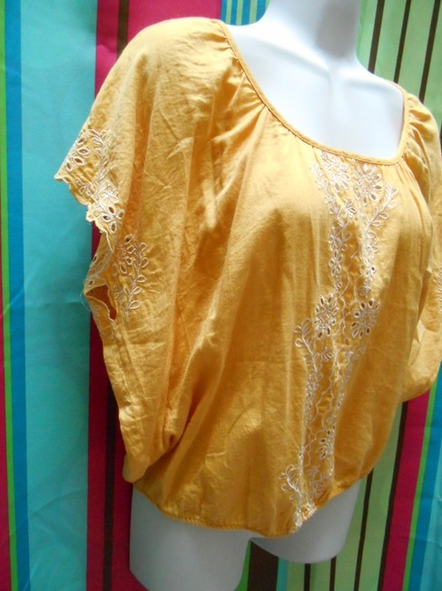 Forever 21 Cotton Pullover Shirt Small 4 6 8 All Cotton Cotton Lace Detail Islet Eyelet Embroidered Embroidery Bohemian Boho Top Golden Yellow Image 6
