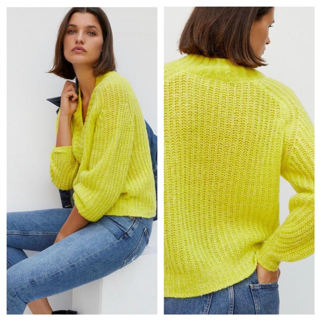 Item - Honore Ribbed Yellow Sweater