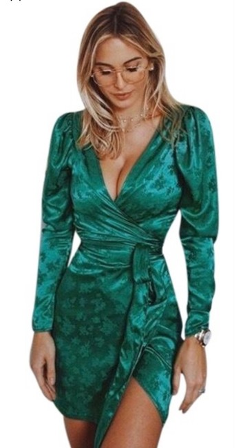 Item - Green Wrap Front Satin Effect Mid-length Night Out Dress Size 6 (S)