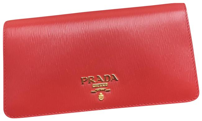 Item - Chain Wallet Red Leather Cross Body Bag