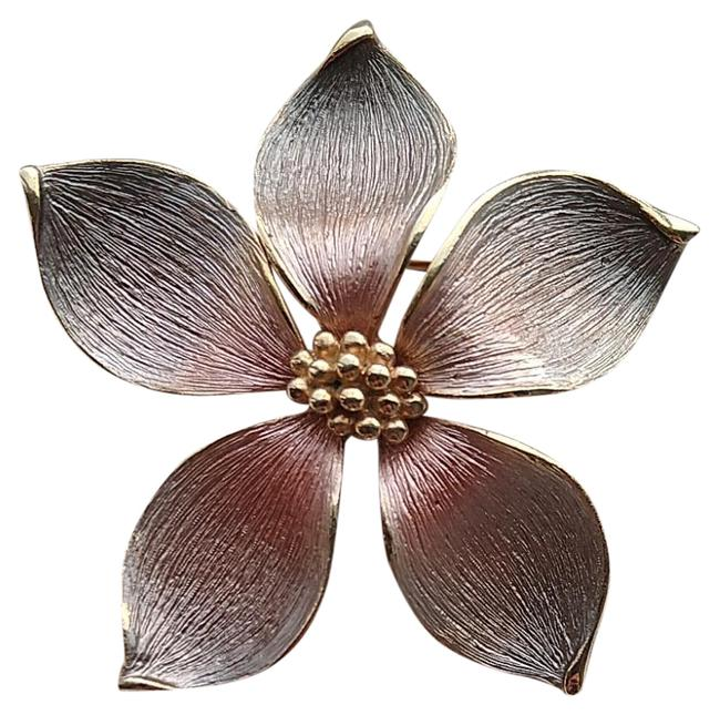 Item - Pink And Gold Vintage Flower Brooch
