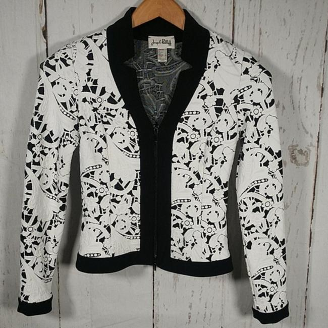 Item - White Black Cropped Fitted Floral Blazer Size 8 (M)