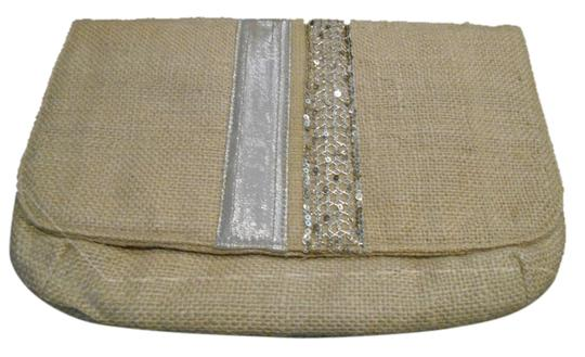 Preload https://img-static.tradesy.com/item/2878078/purse-burlap-tan-and-silver-detail-lined-clutch-0-0-540-540.jpg