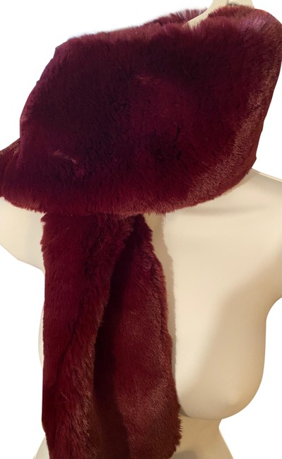 Item - Wine Wild Faux Fur Scarf/Wrap