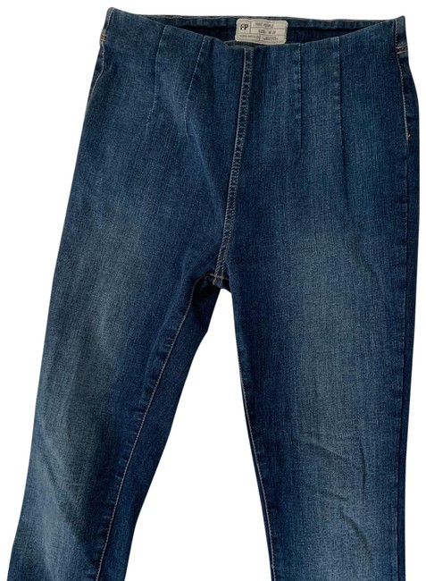 Item - Blue Medium Wash Pull On Skinny Jeans Size 28 (4, S)