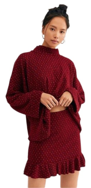 Item - Burgundy Set The Mood Sweater Set - Large Short Casual Dress Size 12 (L)
