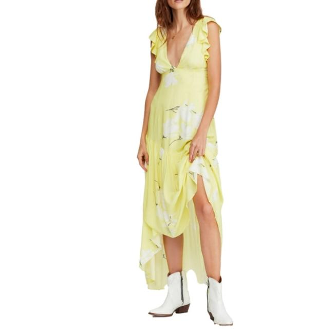 Item - Yellow She's A Waterfall High-low Long Casual Maxi Dress Size 4 (S)