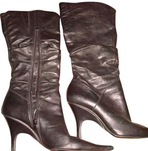 Diba Leather Pointy Mid Heel Black and White Boots