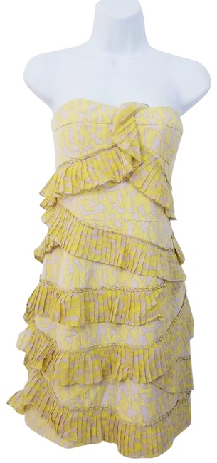 Item - Yellow Tiered Ruffle Short Cocktail Dress Size 8 (M)