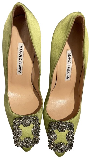 Item - Parrot Green Hangisi 105 Embellished Satin Pumps Size US 6 Regular (M, B)