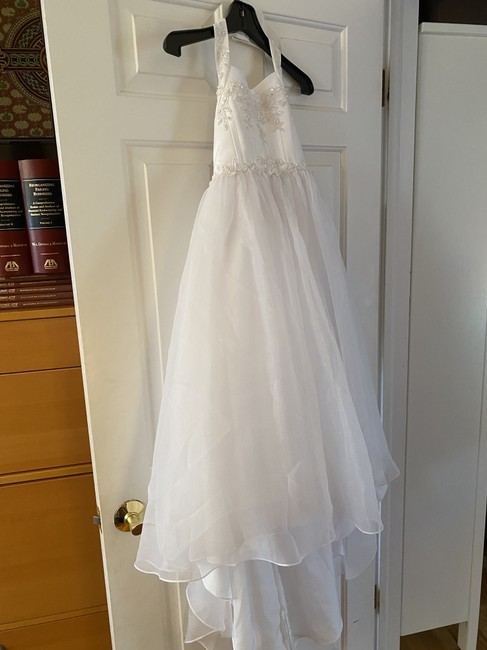Item - White Polyesther Shell and Lining H2295e Formal Bridesmaid/Mob Dress Size 6 (S)