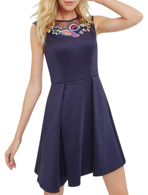Item - Navy Lavensa Embroidered Floral Mid-length Cocktail Dress Size 4 (S)