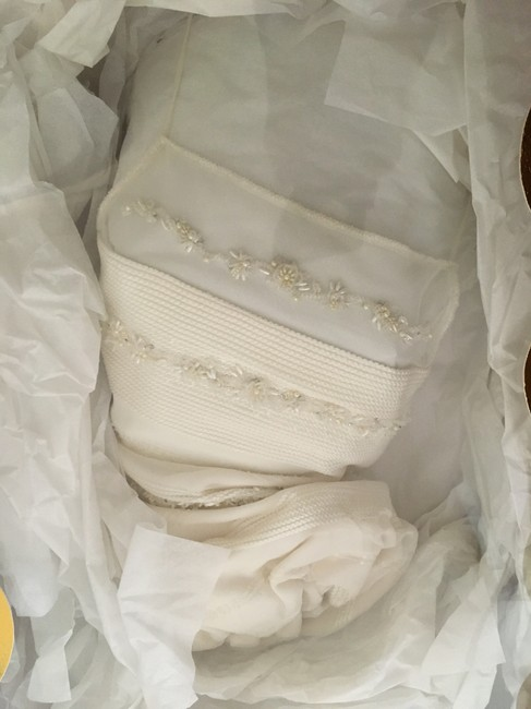 Item - Off White Silk Paige/13124 Formal Wedding Dress Size 10 (M)
